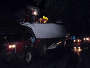 sortie du bateau à minuit du chantier
